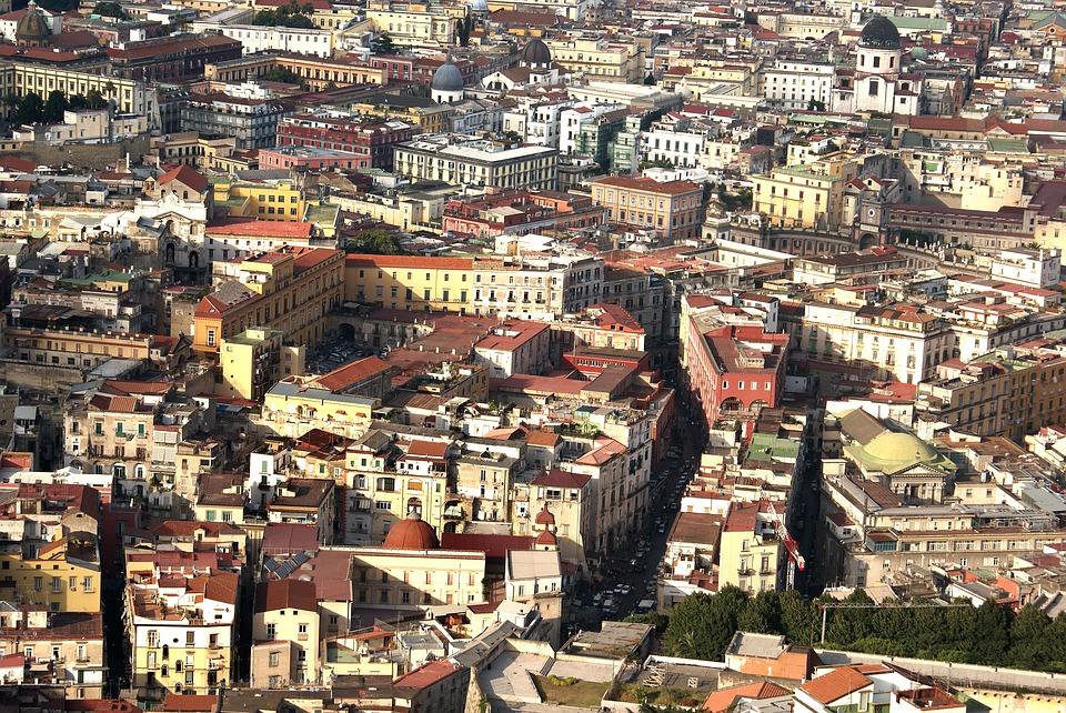 Napoli, quartieri spagnoli, viuzze, città